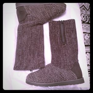 NWOT Gray Sweater Knit Boots with side Zipper